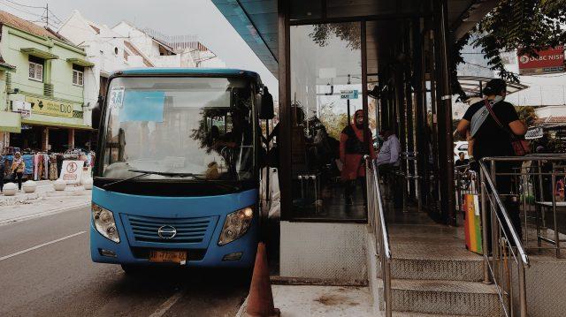 Live Like Locaks - Transport